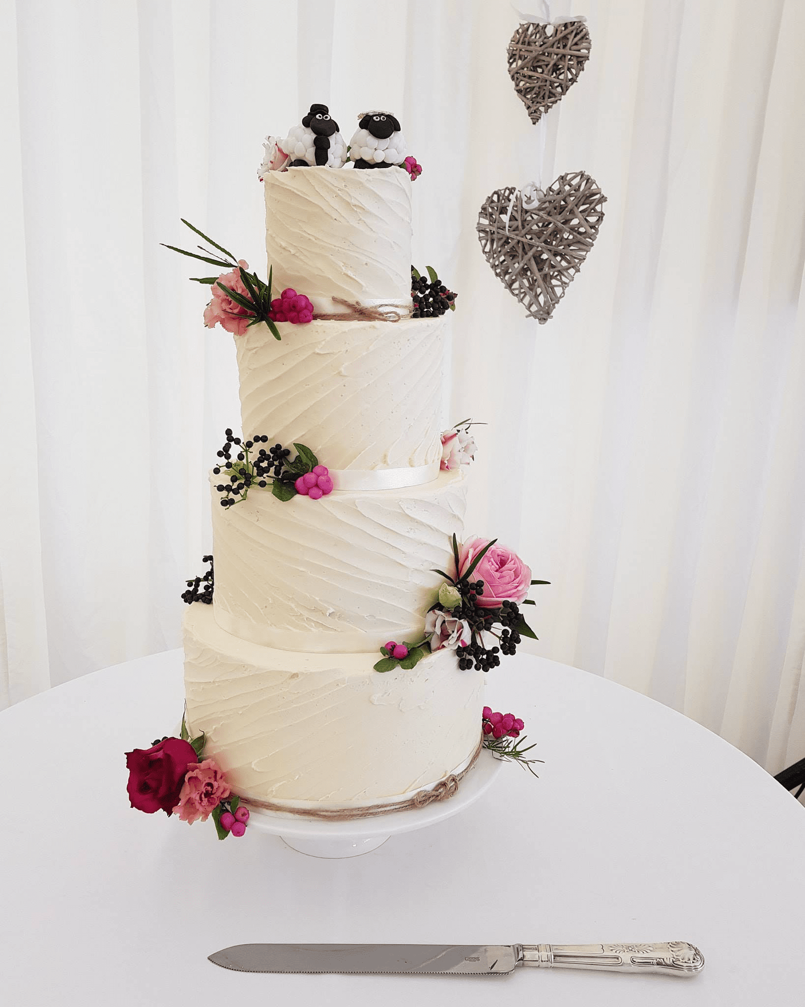 wedding cakes pembrokeshire